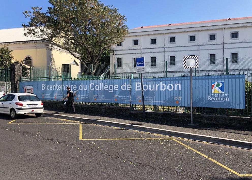Support de communication Banderole pour l'événement bicentenaire du collège bourbon sur grillage