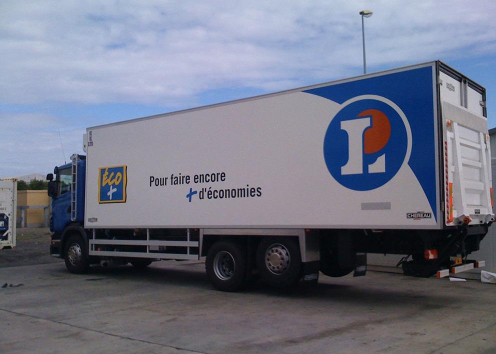 Support de communication Marquage véhicule en adhésif de camion cellule de Leclerc