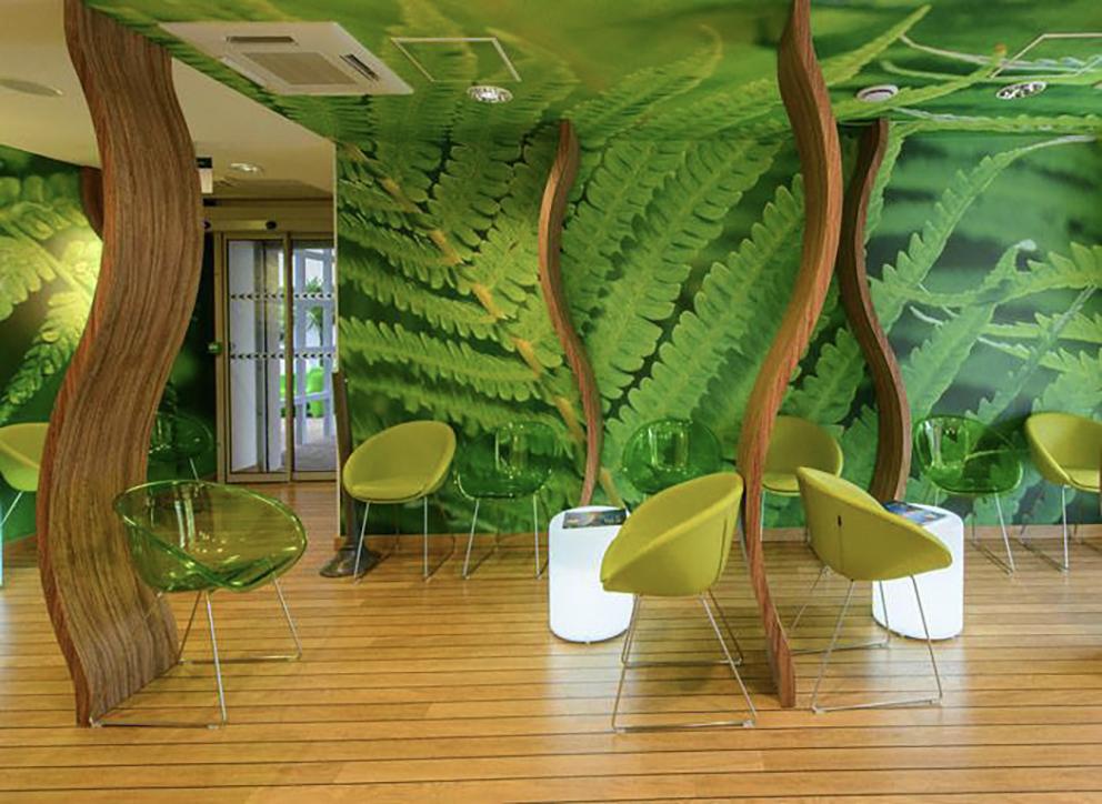 Support de communication Décoration en textile collé mural thématique pour une salle d'attente chez un radiologue