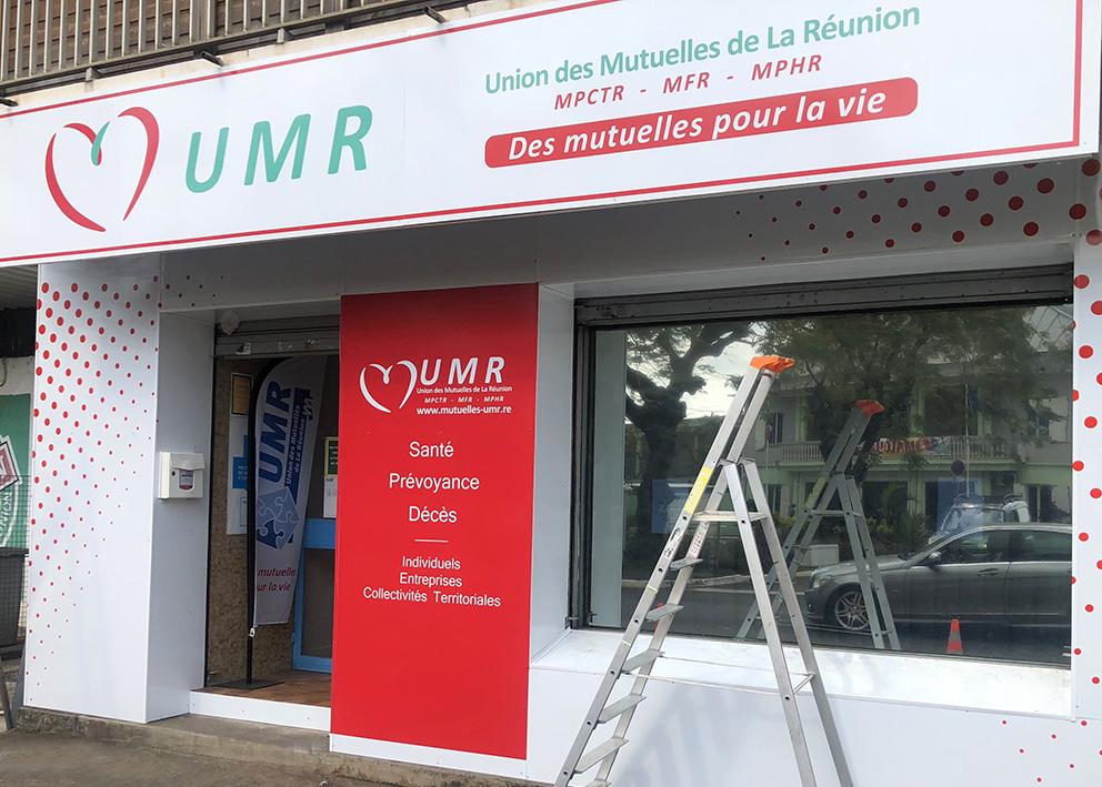 Support de communication Enseigne de façade UMR et coffrage en dibond de la façade