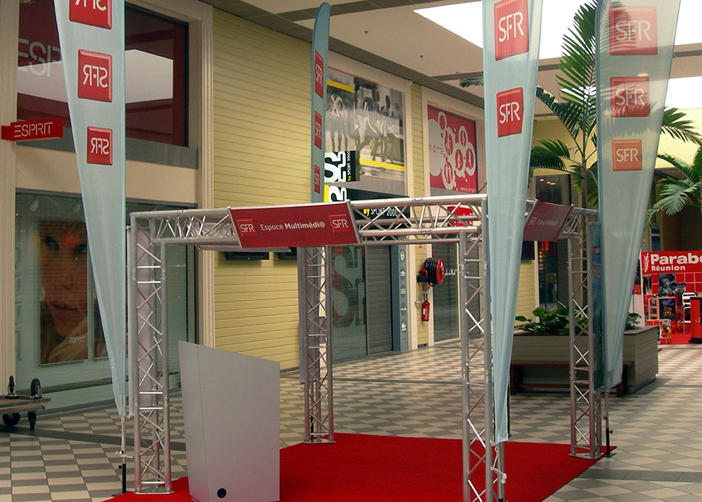 Stand sfr galerie commerciale