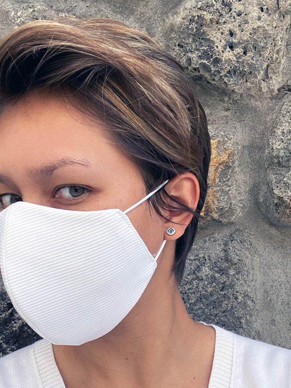 masque blanc texturé